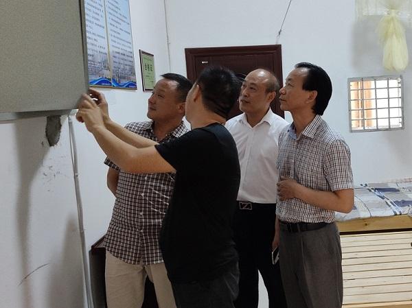 院长刘朝志检查部分城区中考考点